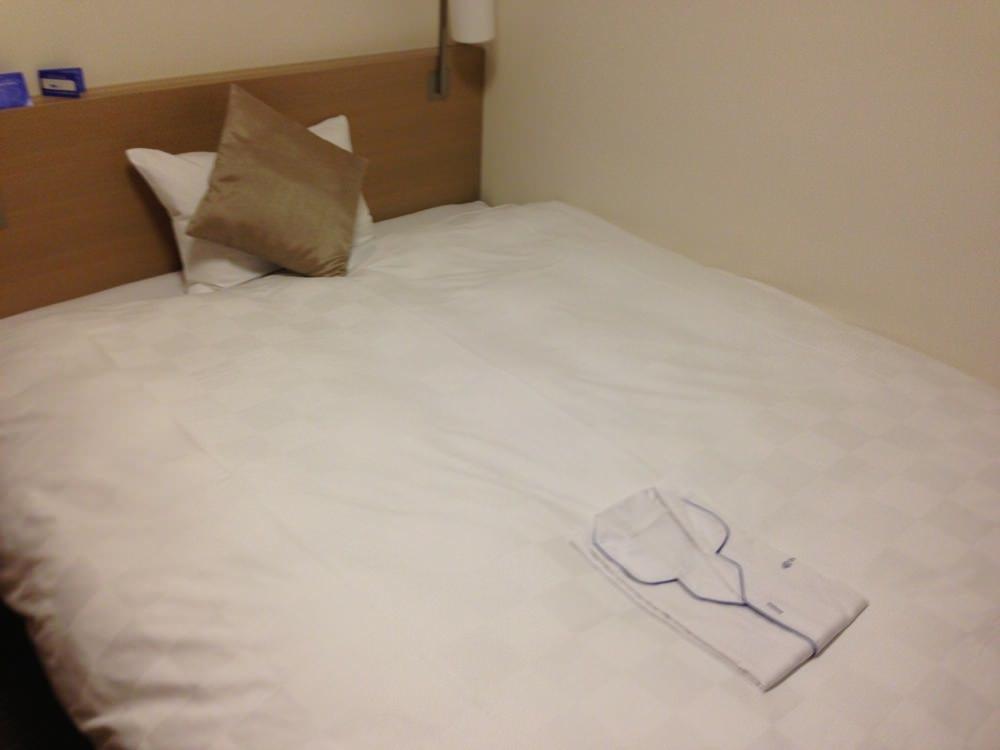 ダイワロイネットホテル京都八条のベッド