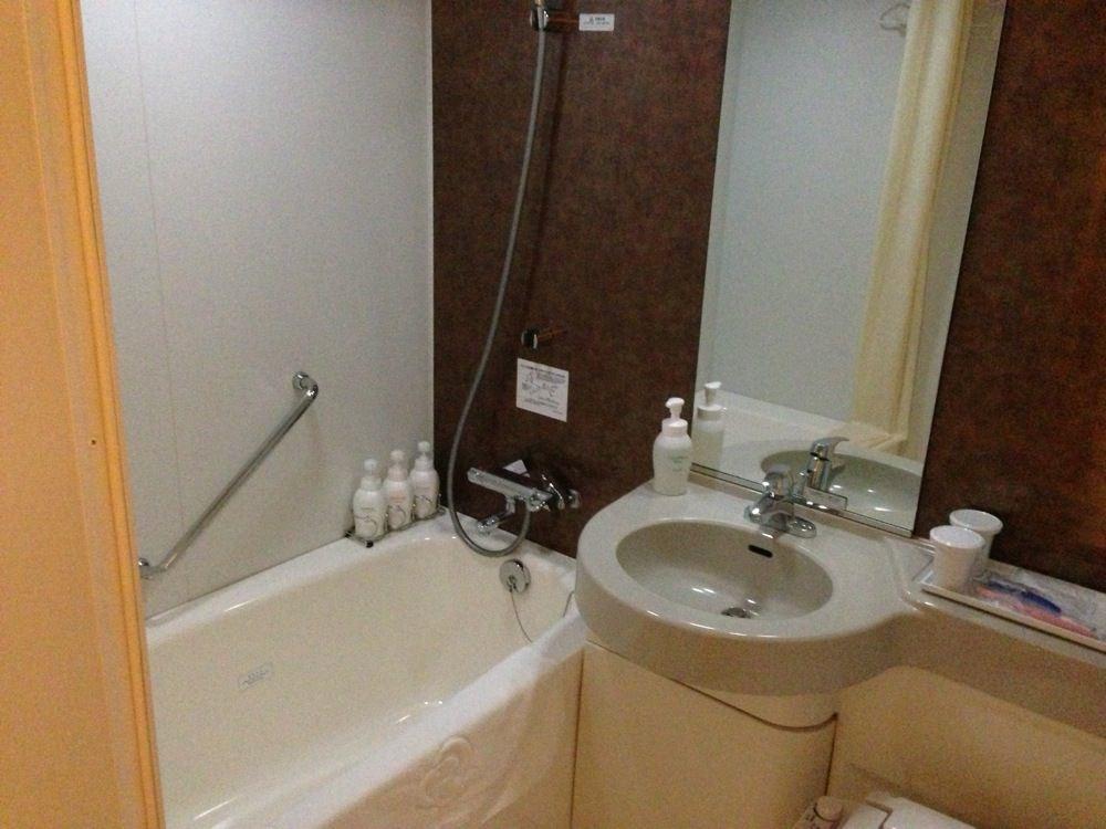 ダイワロイネットホテル京都八条口のお風呂とトイレ