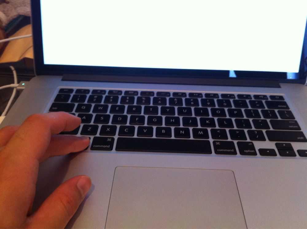optionキーを押しながら電源ボタンを押してMacを起動