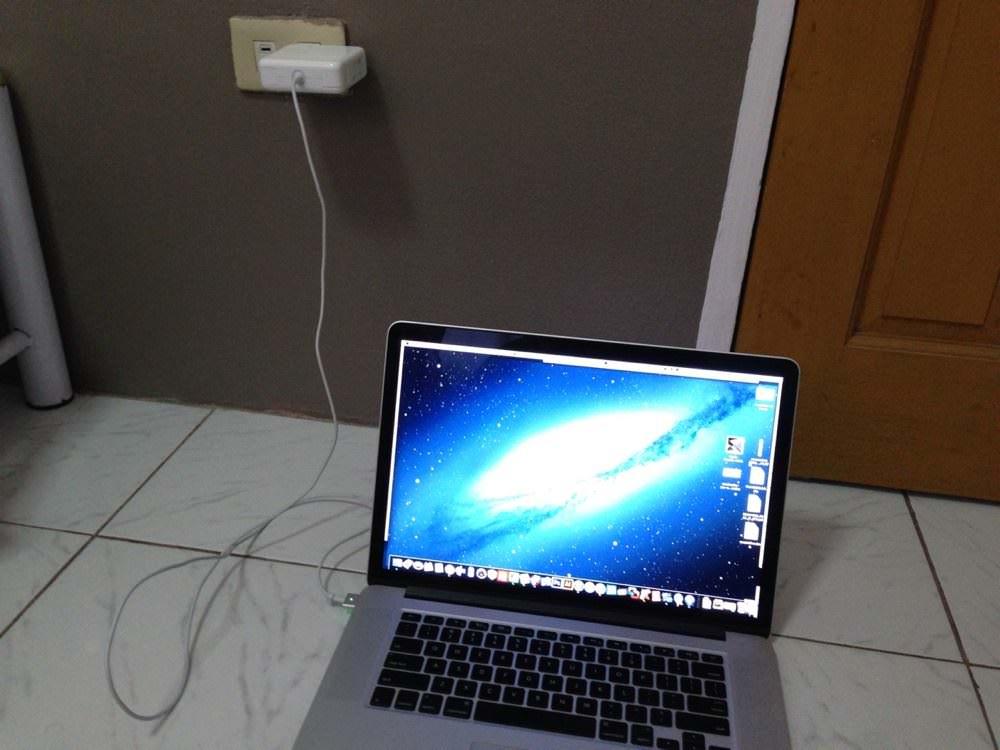 MacBook in フィリピン