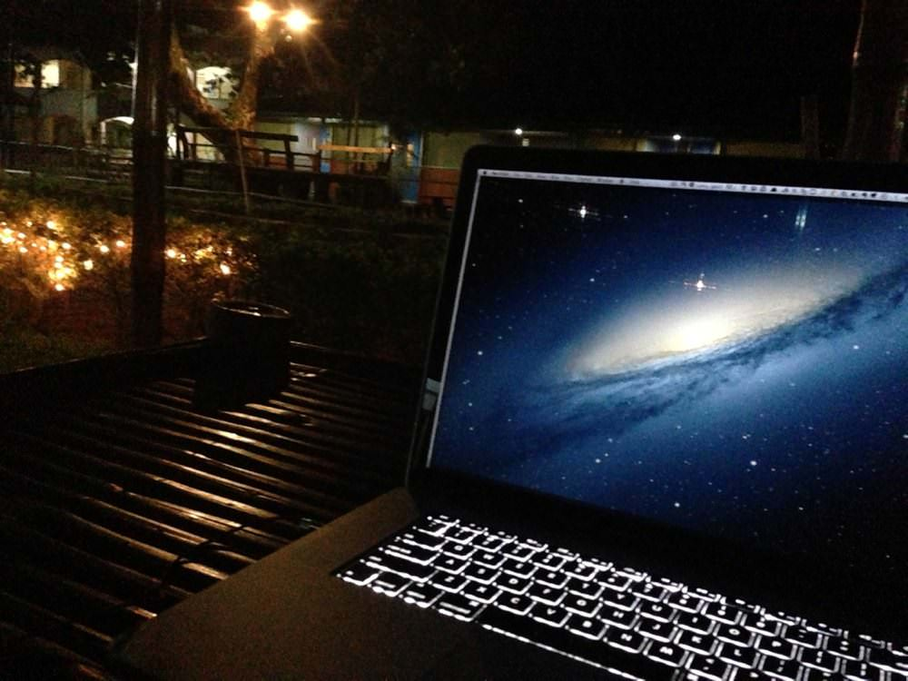 MacBook Air / Proキーボードのバックライトをオン・オフする方法。