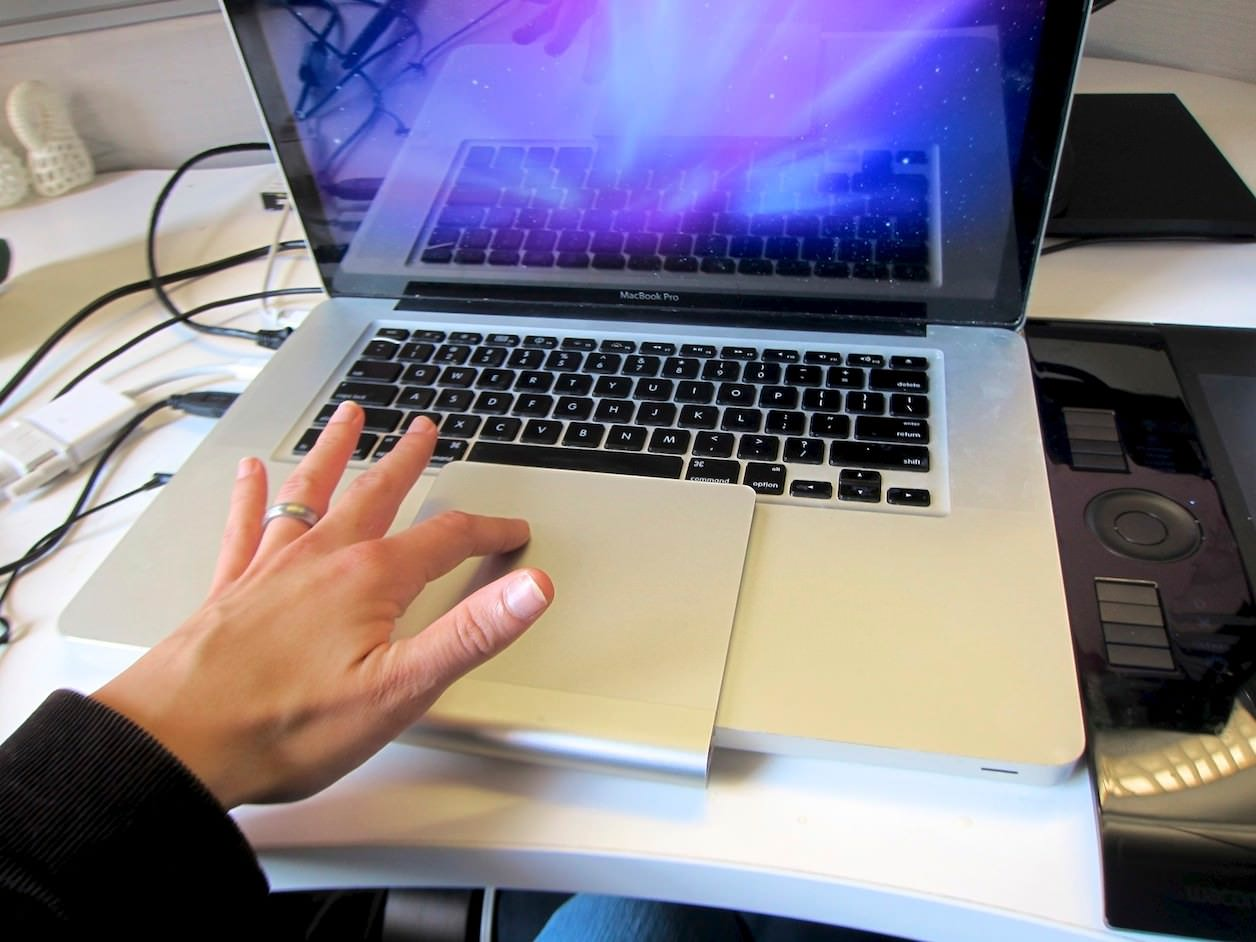 MacBookとトラックパッド