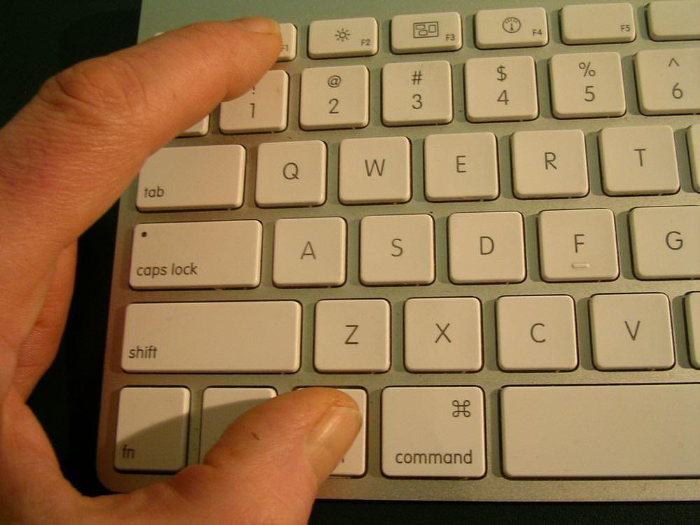 【Mac】サービスをショートカットキーで動かす方法。