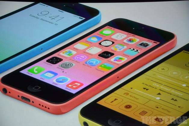 青色、ピンク色のiPhone 5cもステキ