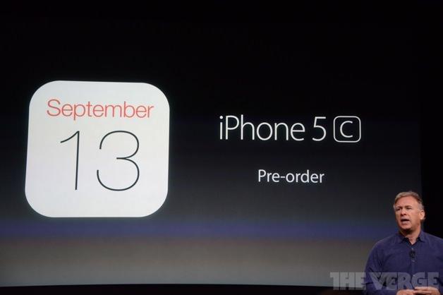 iPhone 5Cは2013年9月13日に予約開始。
