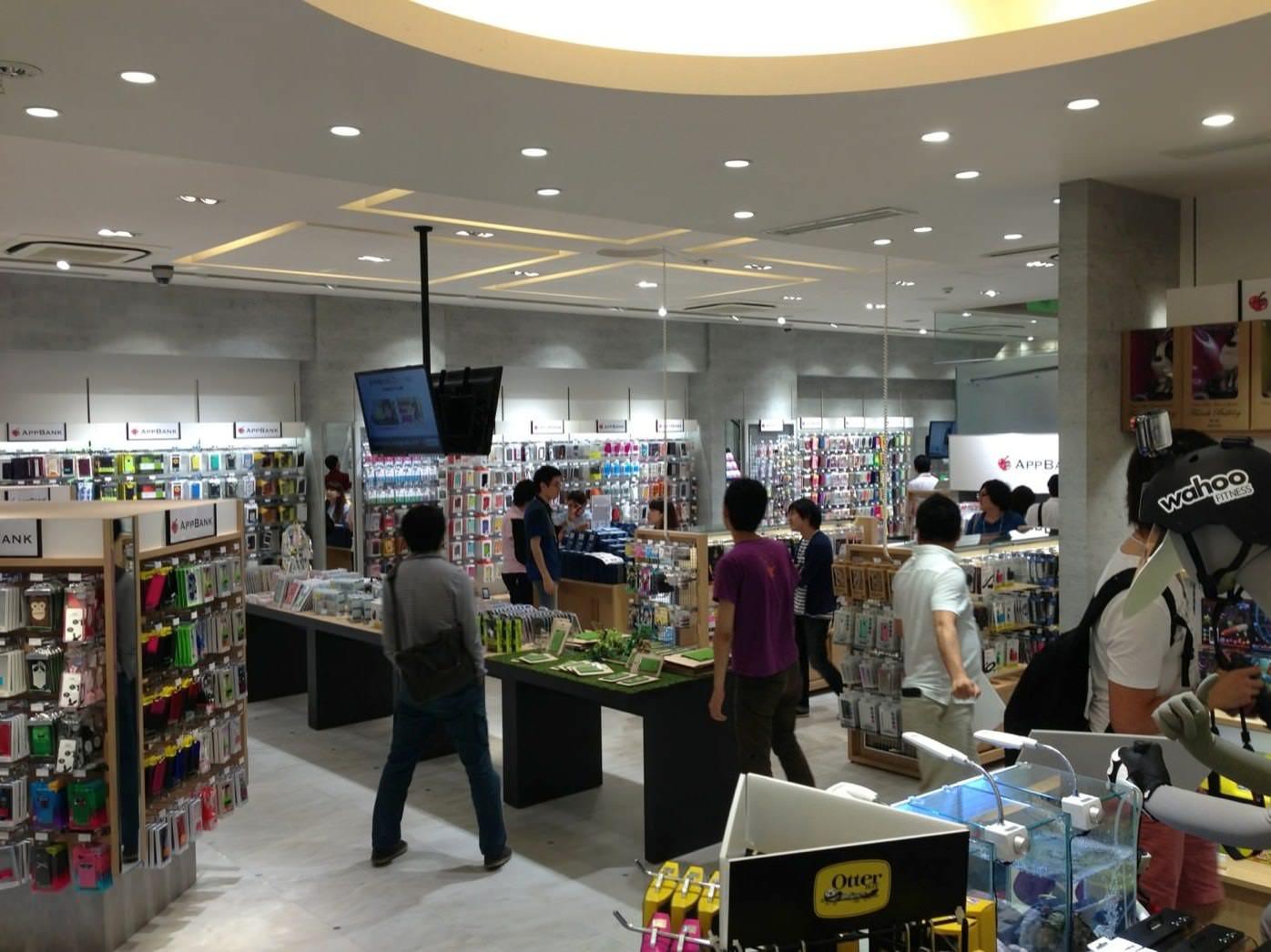 AppBank Store 新宿の店内はかなり広い!
