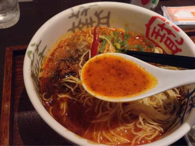 青鬼・担々麺のスープ。