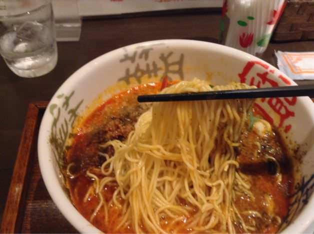 青鬼・担々麺を食べる