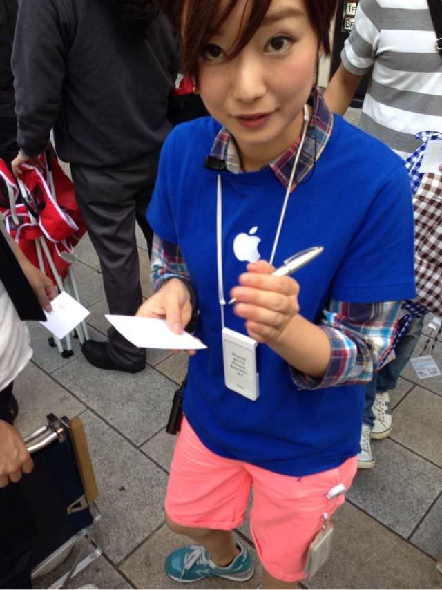Appleの可愛い店員さん
