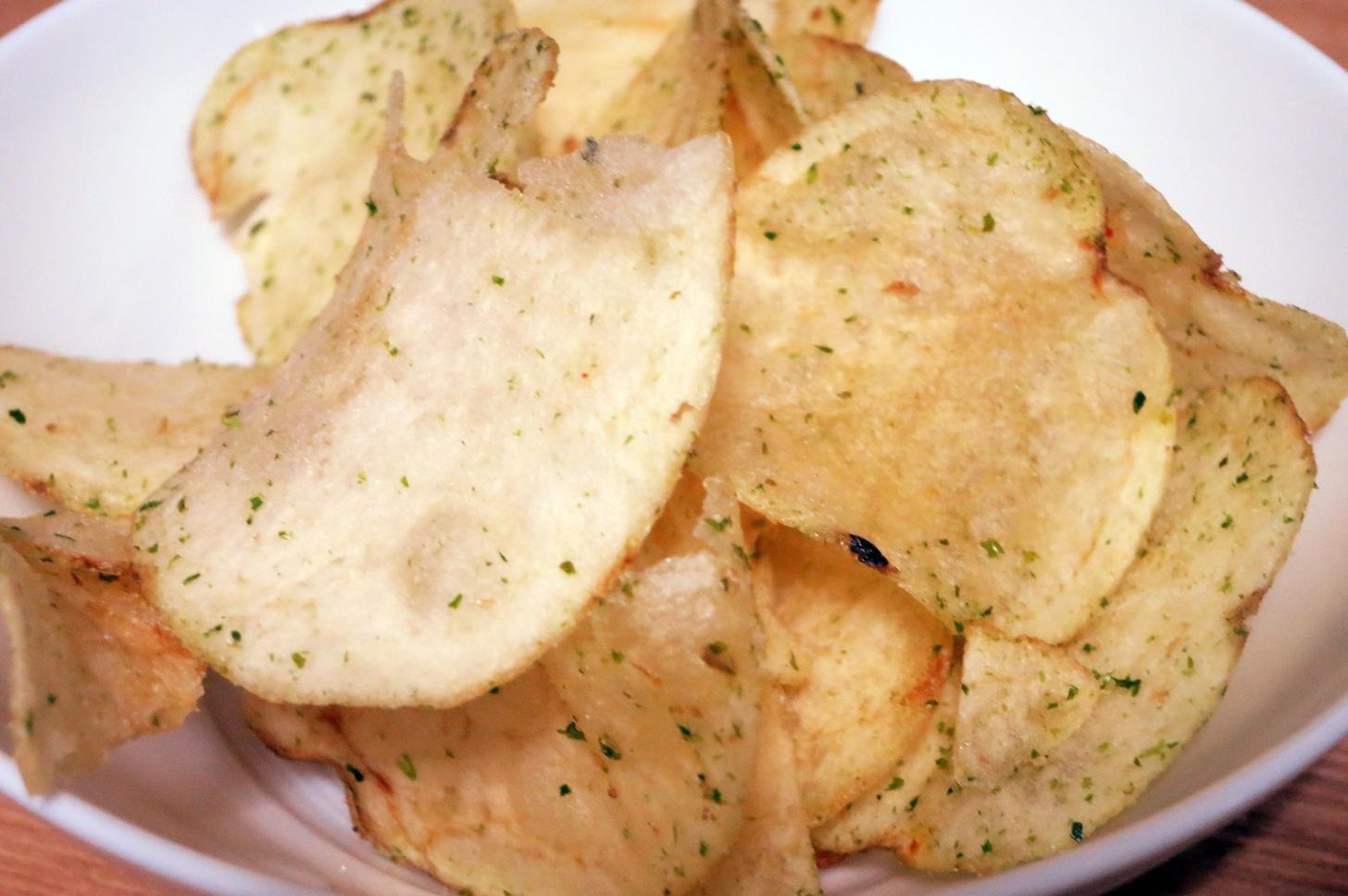 コイケヤ ポテトチップス のり塩の中身