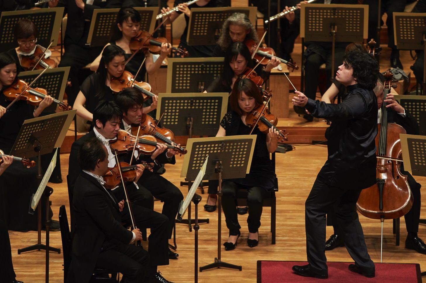 ベートーベン第九を指揮するアンドレア・バッティストーニさん