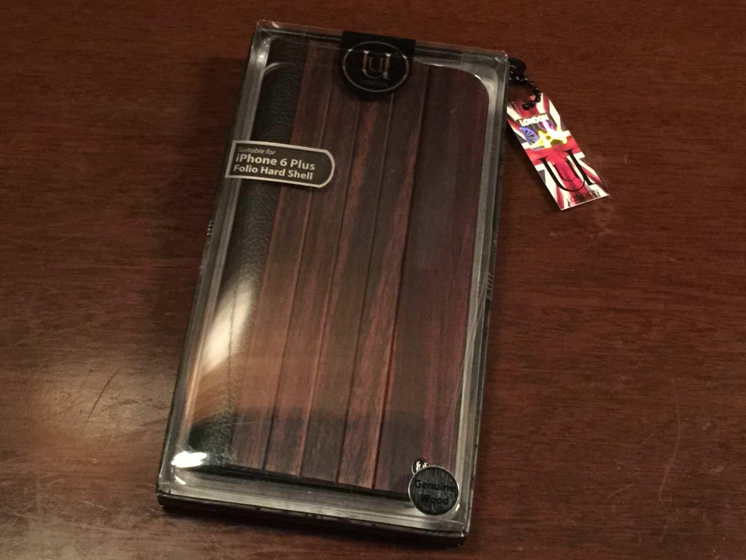 UUNIQUE Wooden Case with Panel Designのパッケージ