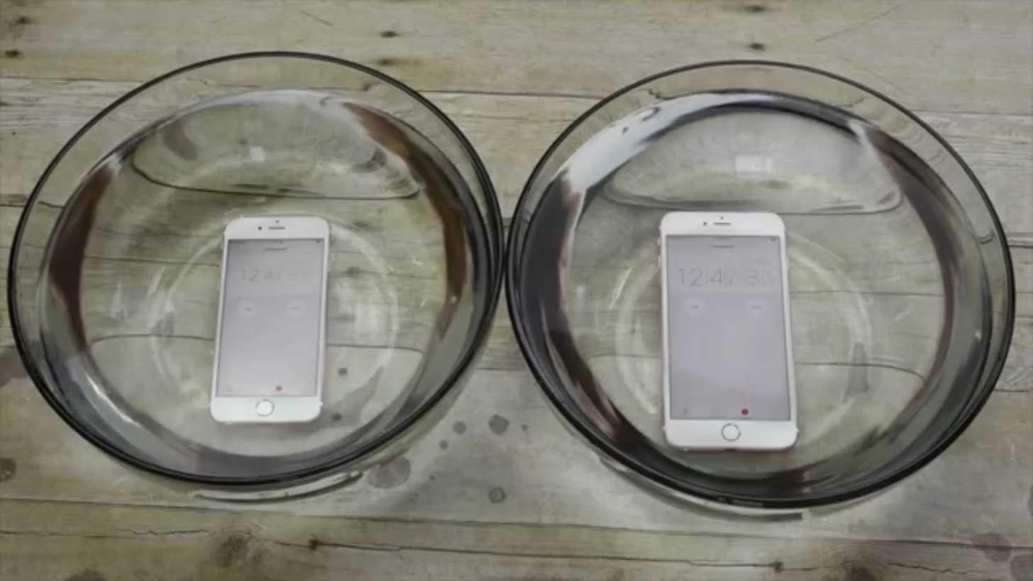まさかの防水仕様!?iPhone6sを1時間水に浸しても動き続けることが判明。