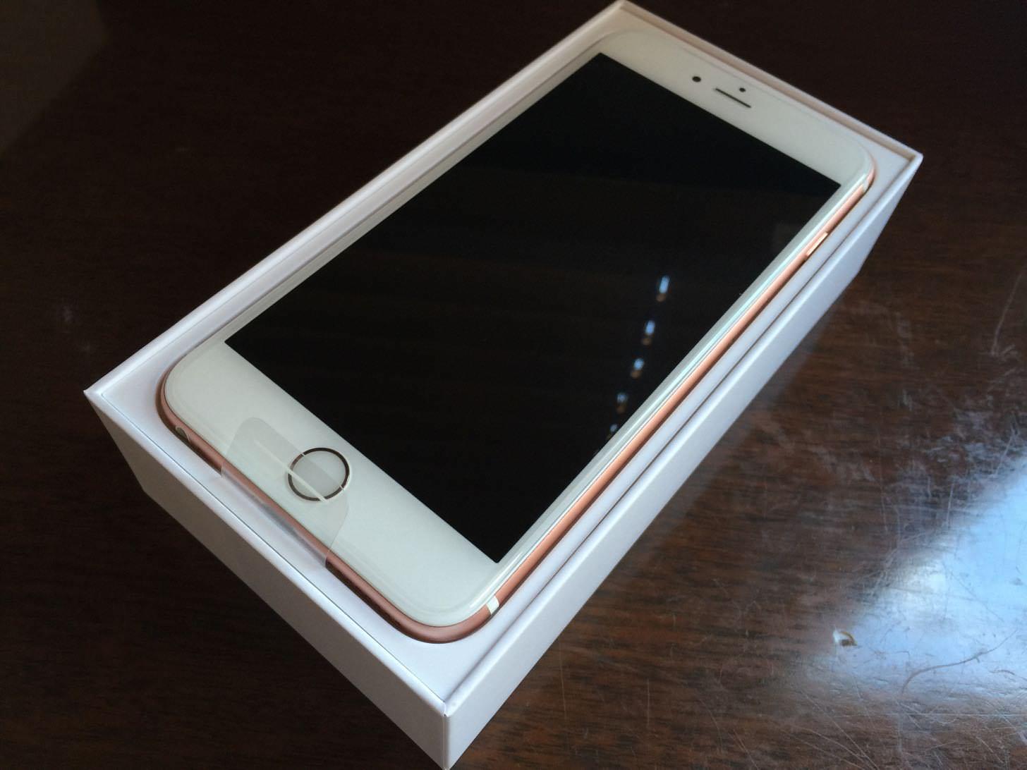 iPhone 6s Plus ローズゴールド 64GBを開封!