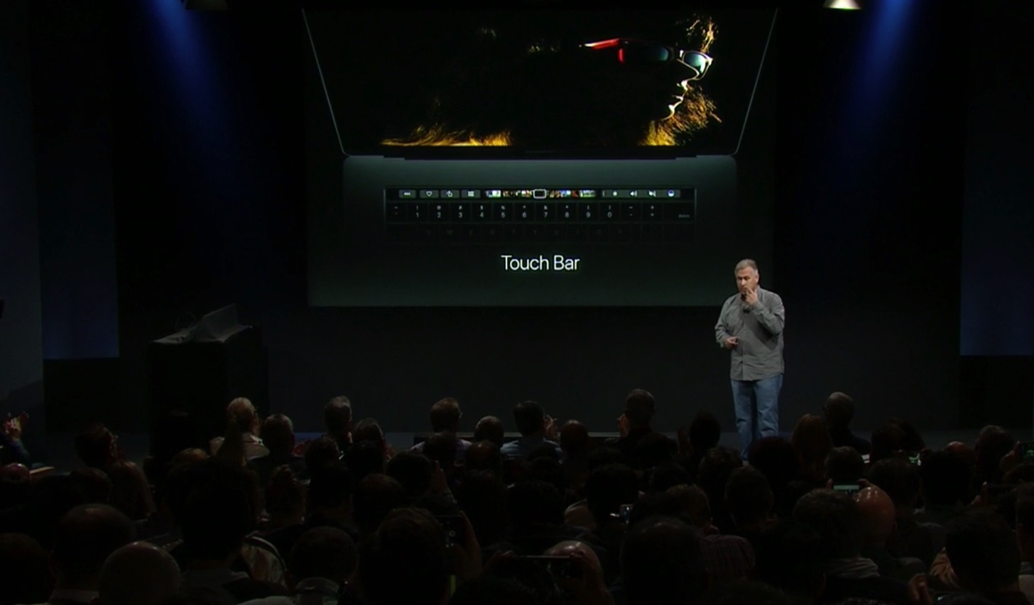 Equipped with a touch Bar the new macbook pro 13 and 15 inches in appearance22