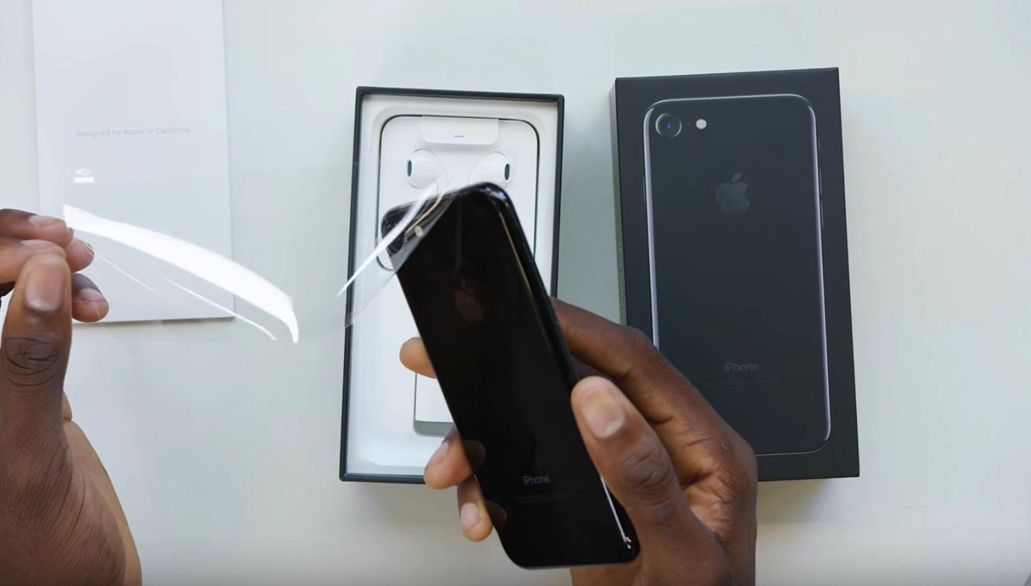 iPhone 7(ジェットブラック)本体