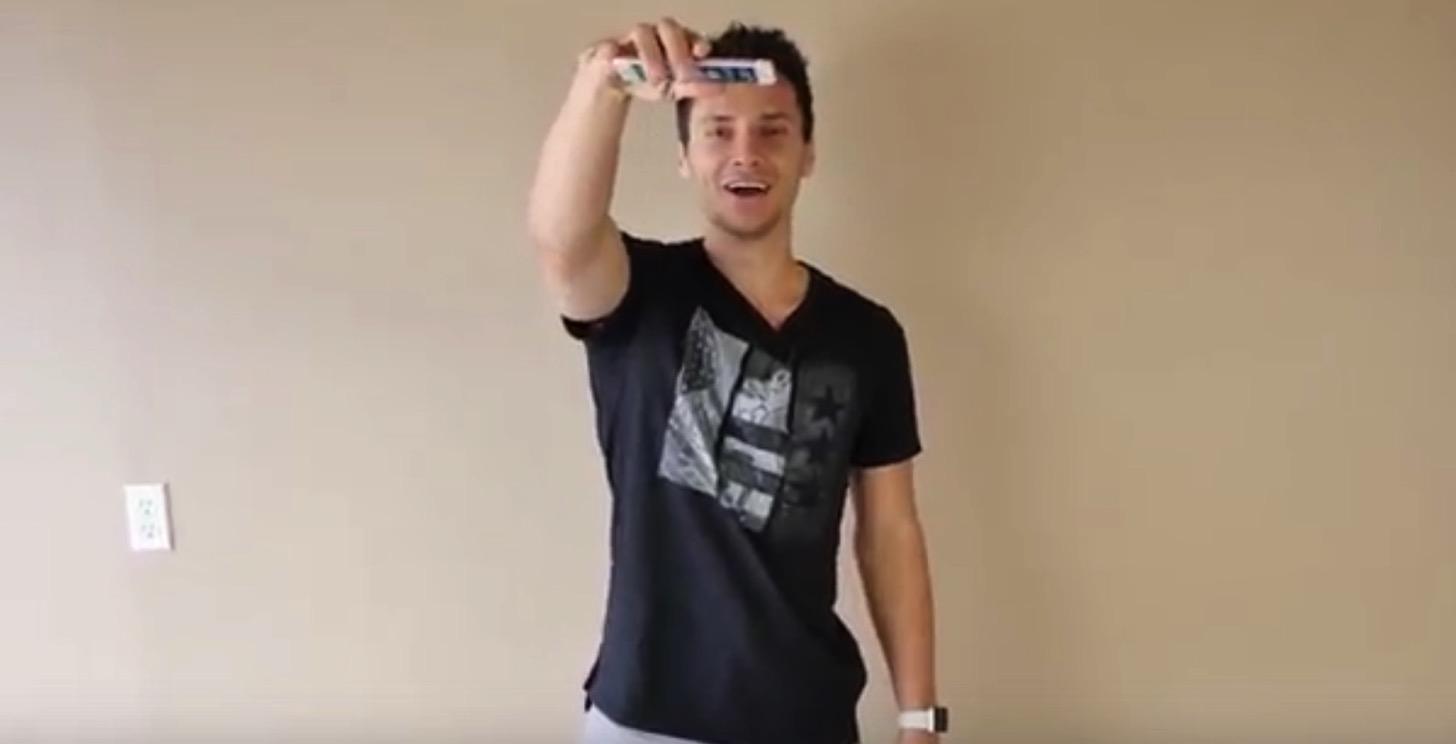 顔の位置からiPhone 7とiPhone 6sを落下