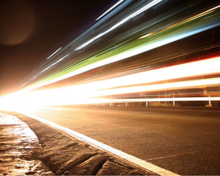 今年の夏にもスマホの通信速度が2倍へ。