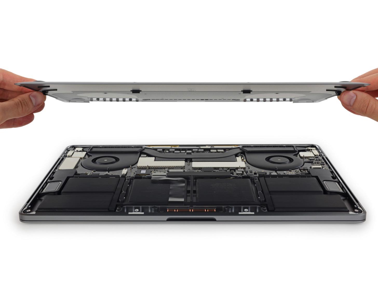 Touch Bar搭載のMacBook Proの15インチを分解してみた。