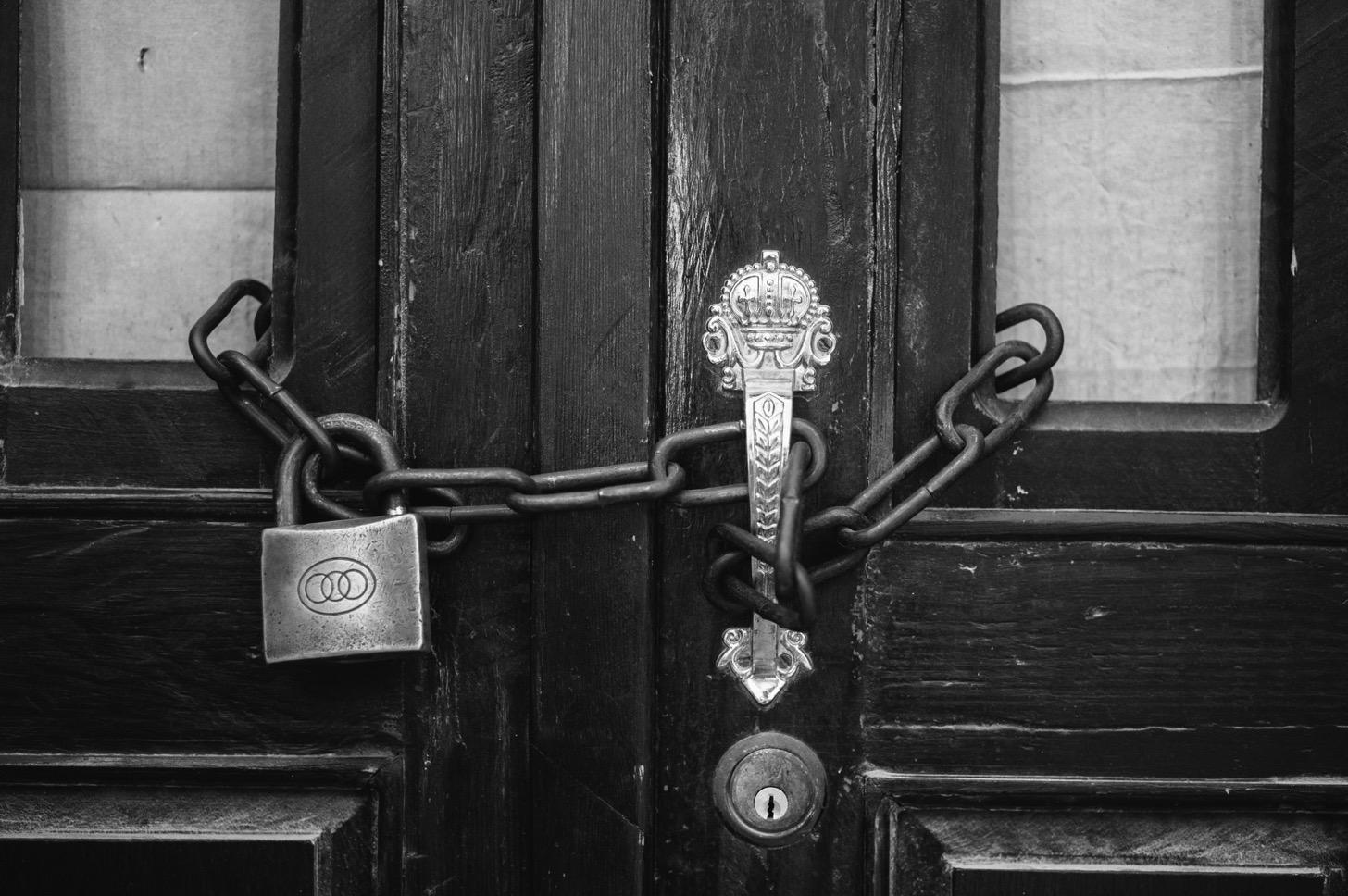 Safariの自動入力されるパスワードを変更する方法。