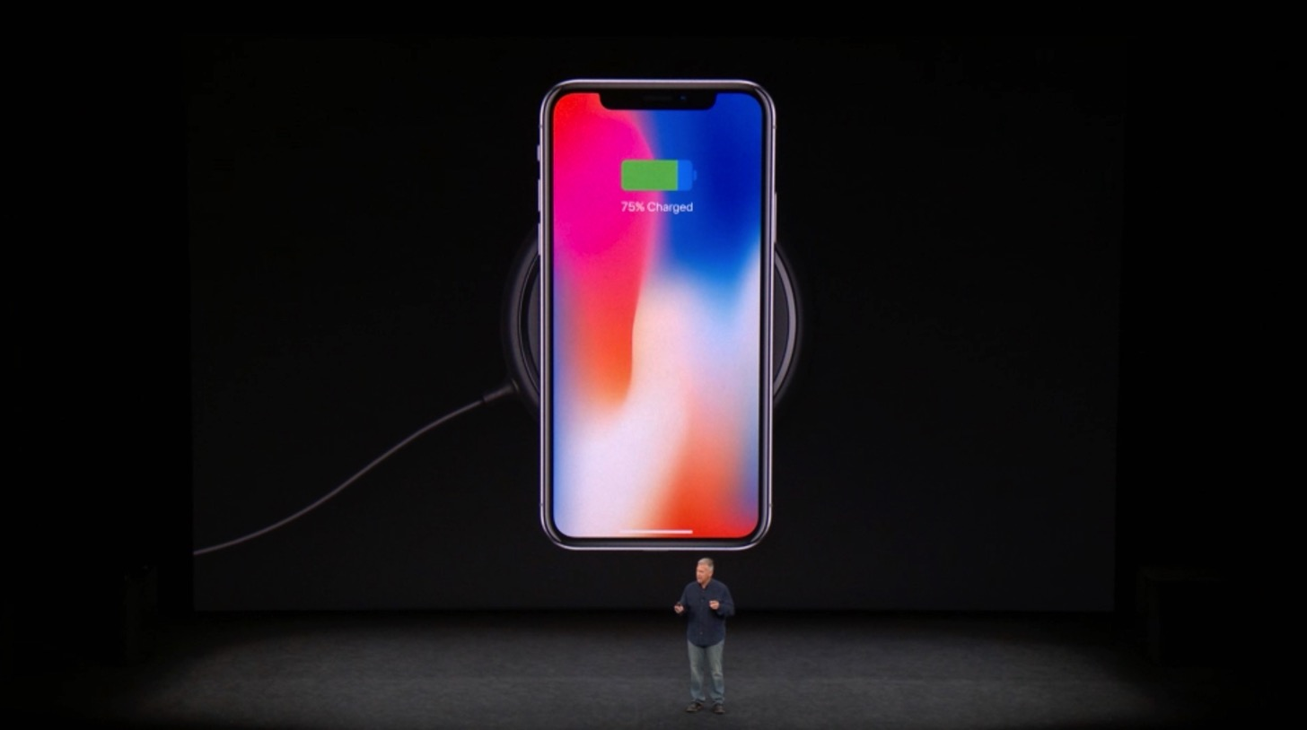 iPhone Xのワイヤレス充電。