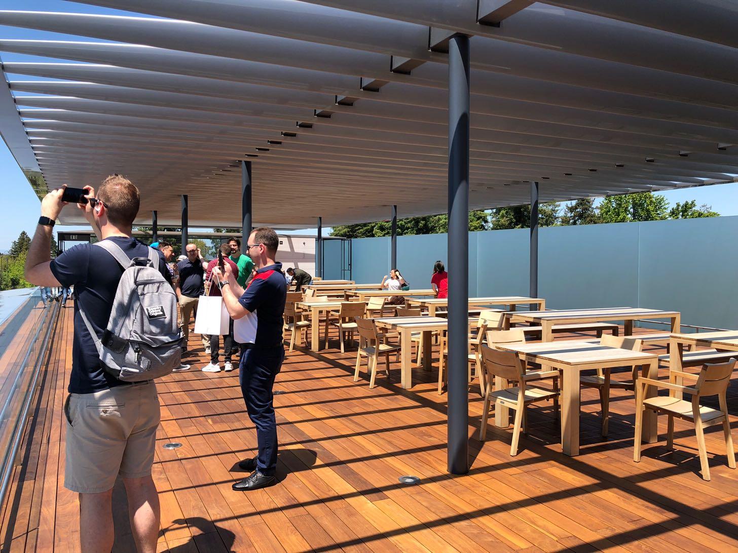 Apple Parkビジターセンターの屋上