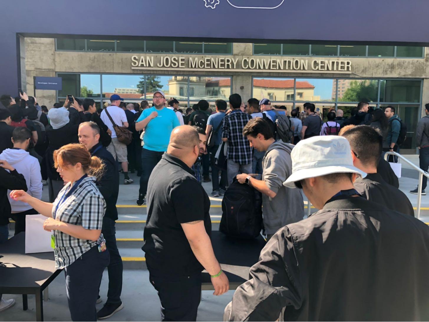 WWDC 2019の荷物検査