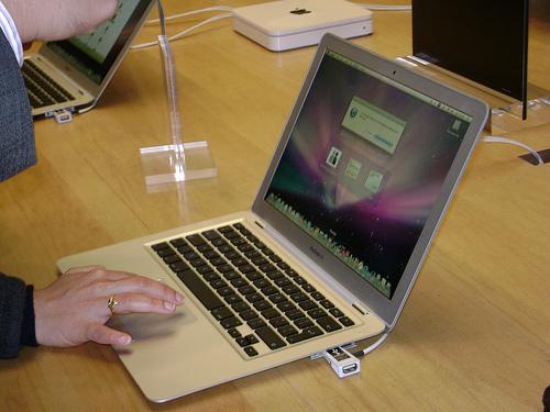 MacBook Airでスクロール