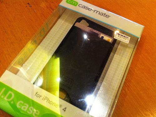 """これでPASMOは無くさない! カードを収められ手触り抜群のケース""""Case-Mate iPhone4 マット・ブラック"""""""