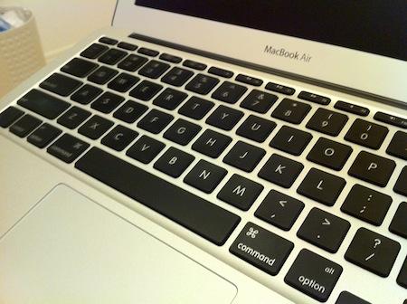 新MacBook Airはテカらない!