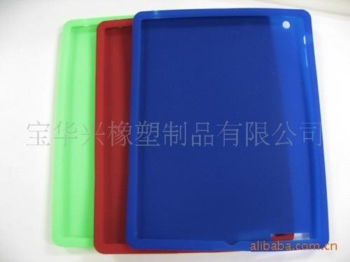 第2世代iPadのシリコンケースがリーク。なんなんだ・・・この謎の穴は・・・!?
