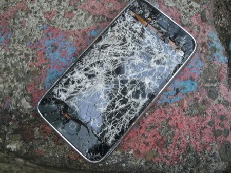 iPhoneの液晶画面が割れるとこんな感じになる写真集。