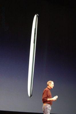 非常に薄くなった第二世代iPod touch