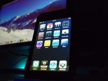 iPod touch 4のパーツ写真!? FaceTime出来ちゃうじゃん的なフロントカメラ仕様。