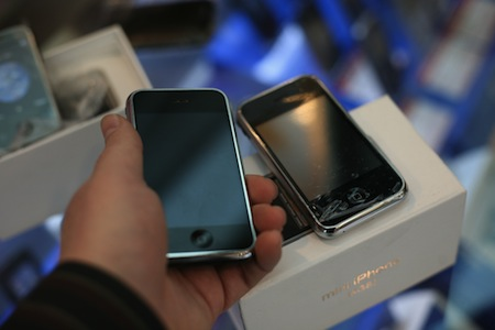fake and real iPhone