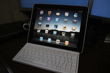 ドコモ、iPad 3G用のSIMカードを販売する方針を明らかに。