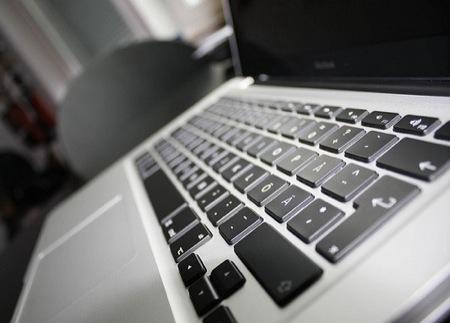 MacBookの購入予定者が急増!他社ノートPCの売上を浸食か?