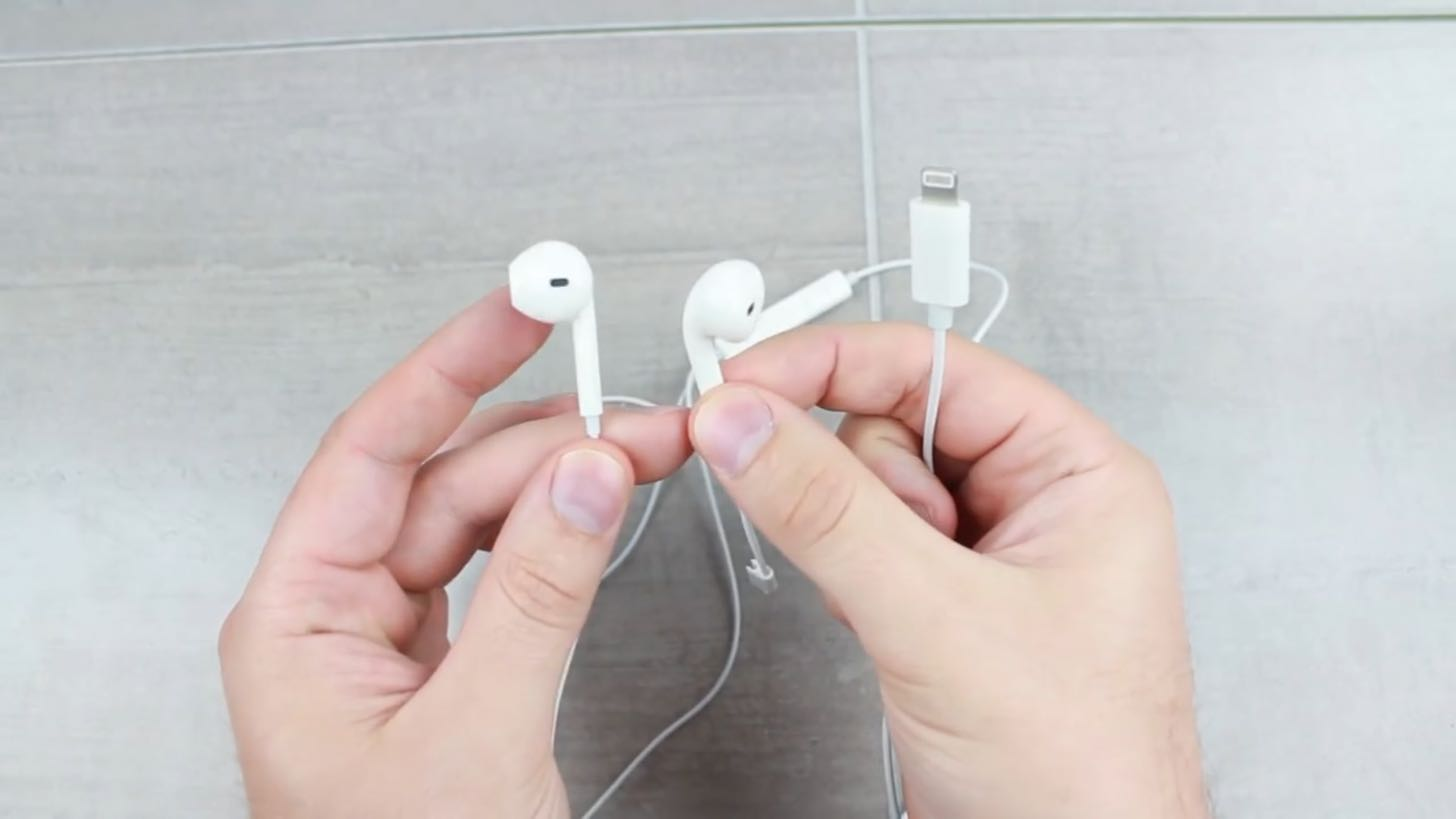 iPhone 7のLightningイヤホン
