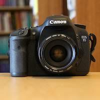 デジイチを買うに当たってCanonの「EOS 7D」にするか「EOS 60D」にするか真剣に悩んでいます・・・!