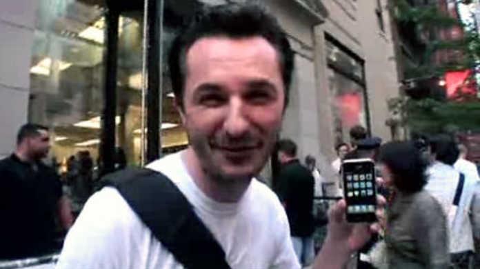 iPhoneの魅惑の新機能!ヒゲだって剃れるし、ビールも飲めりゃ、レントゲンだってとれる!