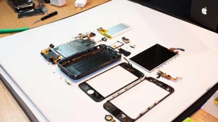 iPhone 3GSを早くもバラバラに分解したレポートがWebに。