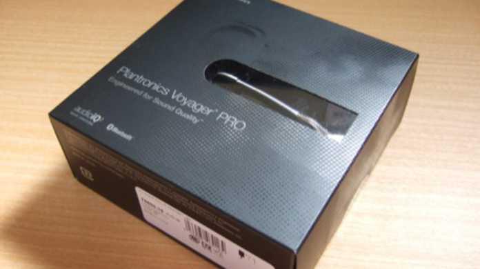 【PR】Plantronicsの電話に特化したBluetoothヘッドホン「Voyager PRO」をiPhoneで使ってみましたー。
