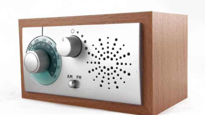 将来iPhoneとiPod touchにFMラジオ機能が加わるかもしれない。