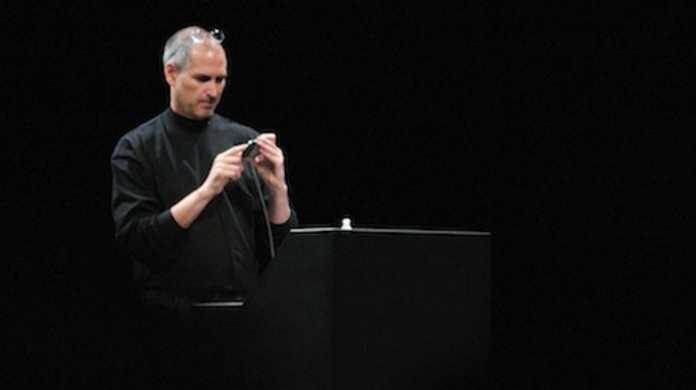 Apple、iPhone&MacBookが牽引し販売記録を更新。47%の増益。