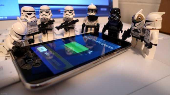 iPhoneのゲームアプリが無断で電話番号を収集して海外で集団訴訟事件。