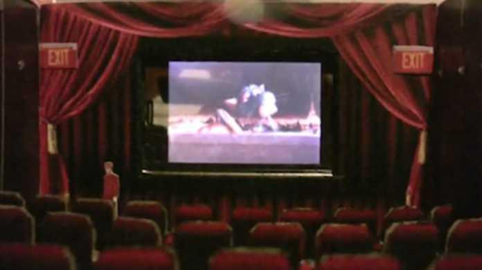 つくりこみが凄いぞ!iPhoneミニミニ映画館!