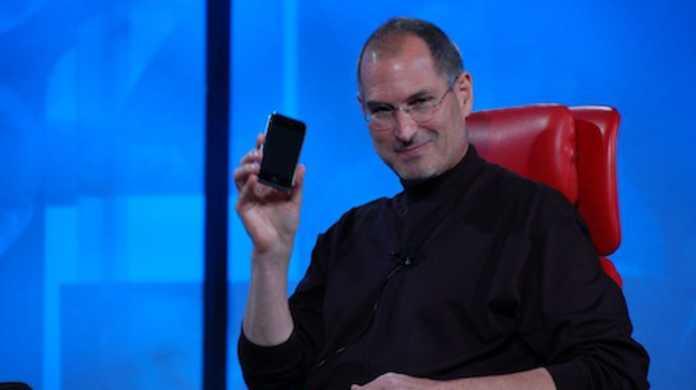iTunes Store100億曲目を買った人にジョブズが電話するも信じられず、おしくら問答。
