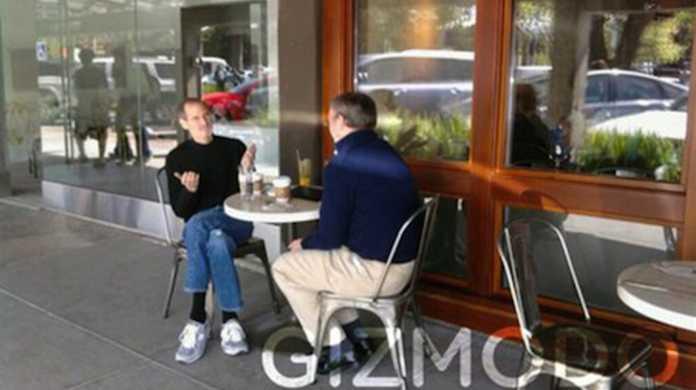 iPad会談!? ジョブズとGoogle CEOがカフェで談笑してたみたい。
