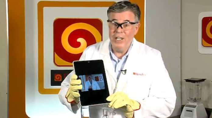 【動画】iPad、やはりいつもの博士にミキサーで粉々に粉砕される。