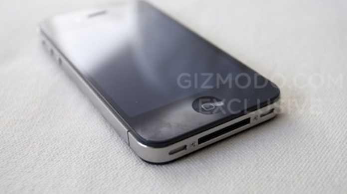 飲み屋に落ちてたiPhone 4G はフロントカメラやフラッシュ機能搭載などで超進化してるらしい!